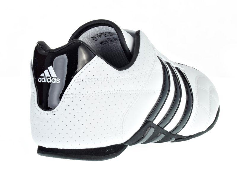Karate Taekwondo TKD,Budo sport Schuhe Adidas Adilux Kampfsport Martial Arts