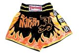TWINS  Thaiboxing Shorts schwarz-gelb-rote Flamme