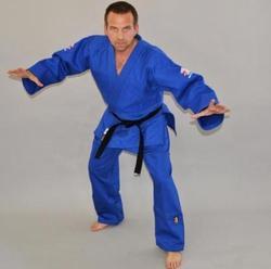 Judogi mittelschwer mit IJF Zulassung in blau