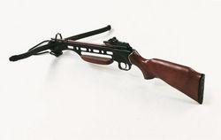 Armbrustgewehr mit Holzschaft