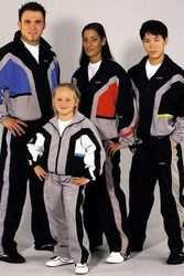 Trainingsanzug DELUXE schwarz-grau-blau